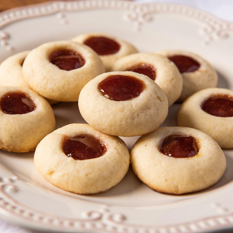 Cinnamon Strawberry Thumbprint Cookies
